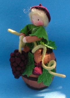 druivenmannetje-op-een-regenton
